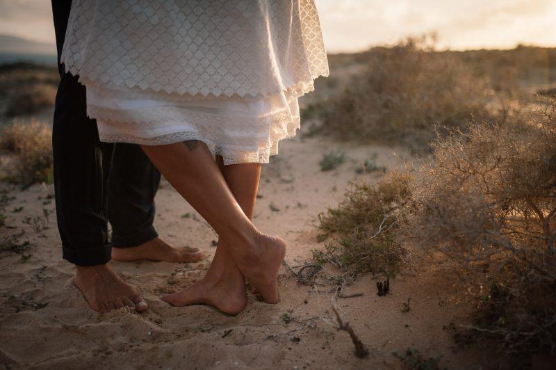 feet in sand - pés na areia